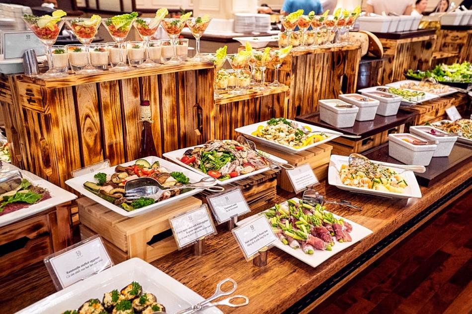 Dine in at local restaurants in Dubai   The Vacation Builder