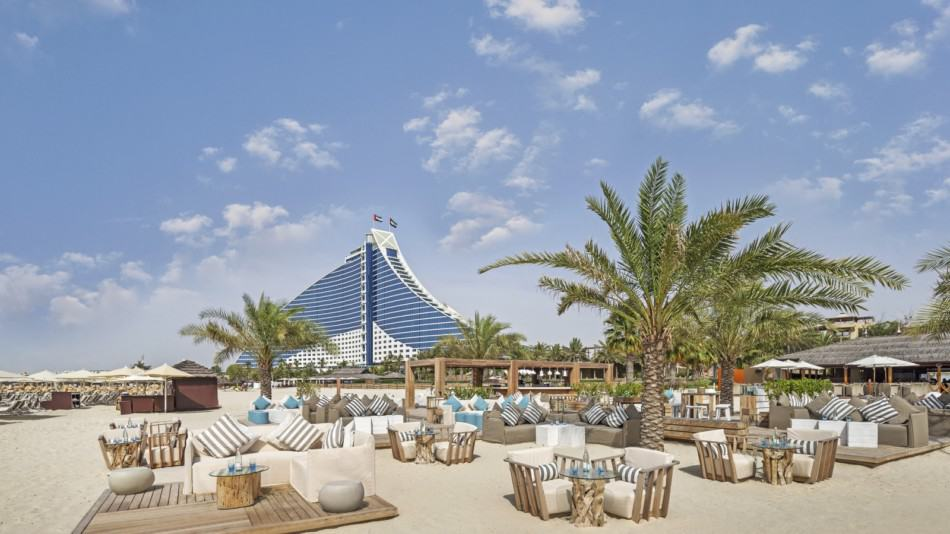 Dubai vs Muscat for Hotels - Jumeirah Beach Hotel | The Vacation Builder