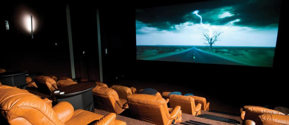What is in Dubai Marina Mall - Reel Cinemas | The Vacation Builder