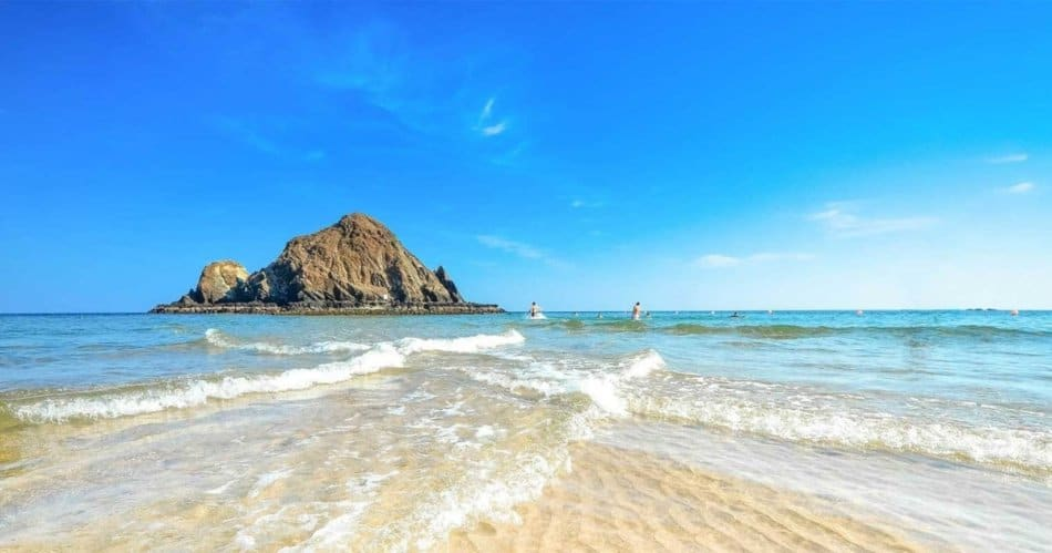 What is in Fujairah - Snoopy Island | The Vacation Builder
