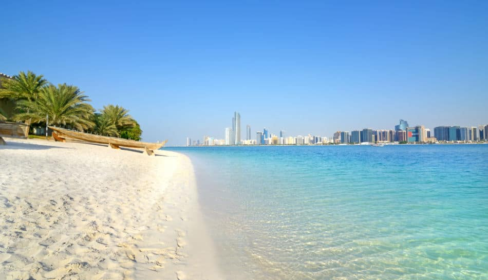 Free Things to do in Abu Dhabi - The Beach   The Vacation Builder