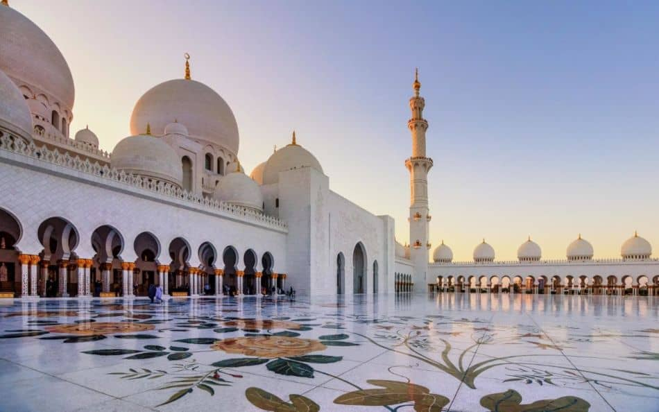Al Maqta Area Guide - What to Visit in Al Maqta - Sheikh Zayed Grand Mosque | The Vacation Builder