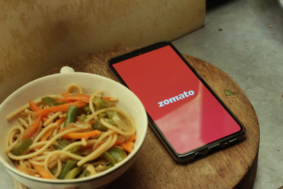 10 Must Have Dubai Travel Apps - Zomato   The Vacation Builder