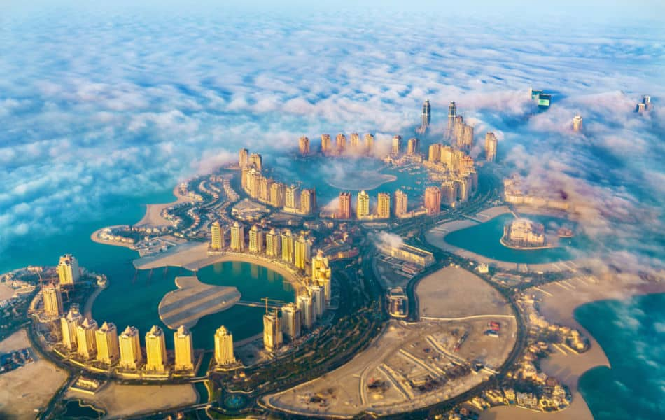 Dubai vs Qatar - Where is Better to Live - Things to do and See | The Vacation Builder