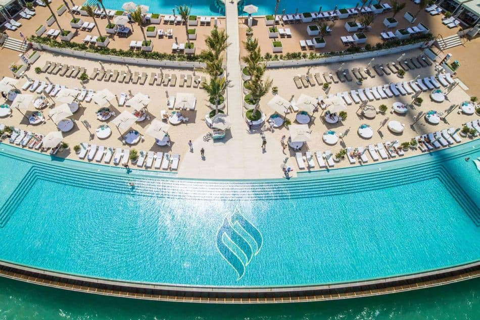 Emirates Palace vs Burj Al Arab - Which Has The Best Pools? | The Vacation Builder
