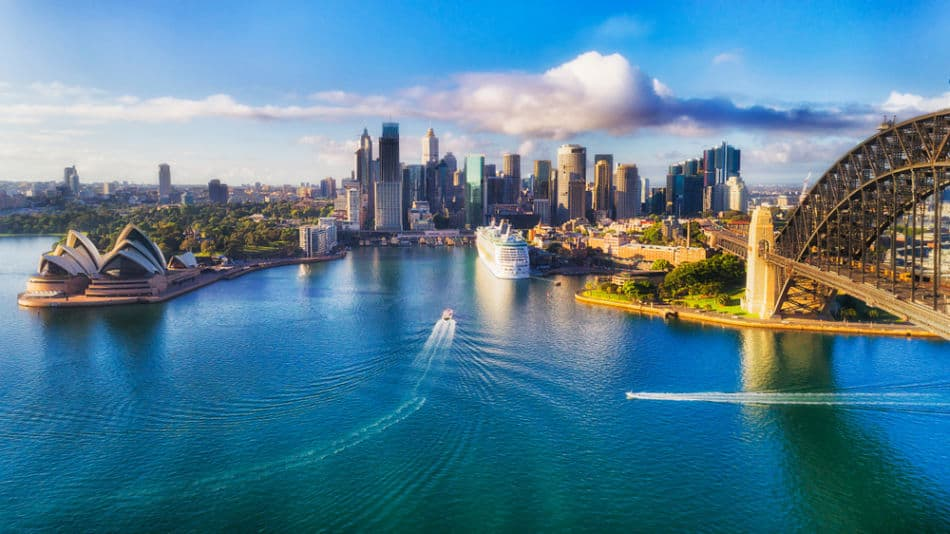 Dubai or Sydney - Where is Better to Live? Things to do & See   The Vacation Builder
