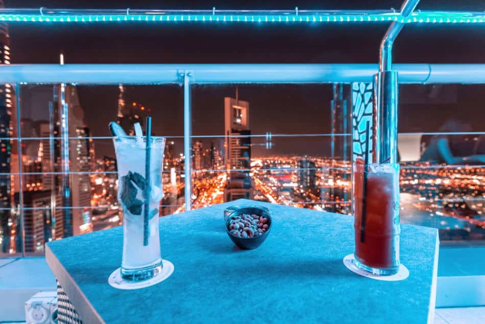 20 Amazing Things to do in Dubai at Night - Drinking Out - Treehouse | The Vacation Builder