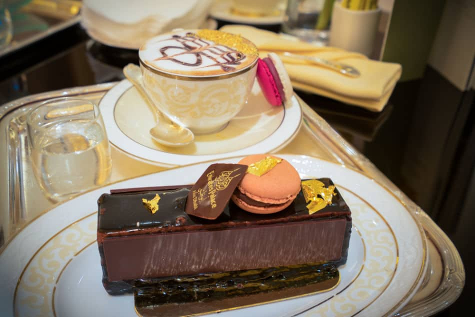 Emirates Palace vs Burj Al Arab - Which Has Better Food Options? | The Vacation Builder