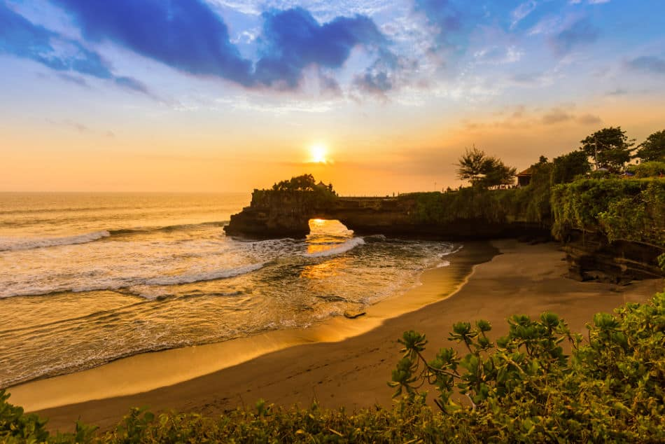 Dubai or Bali - All Things Considered - Which has Better Beaches | The Vacation Builder